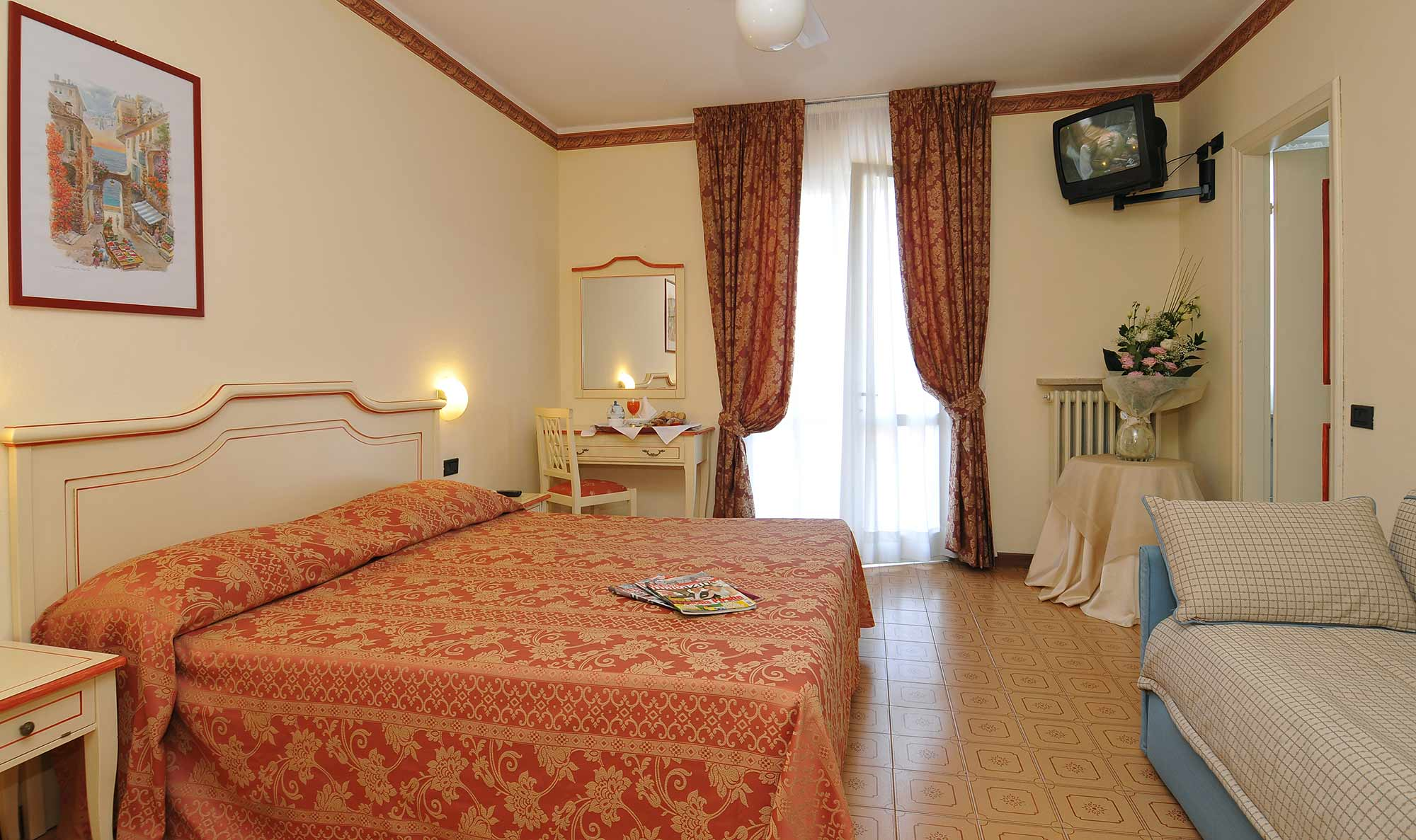 Superior room - hotel in Manerba del Garda